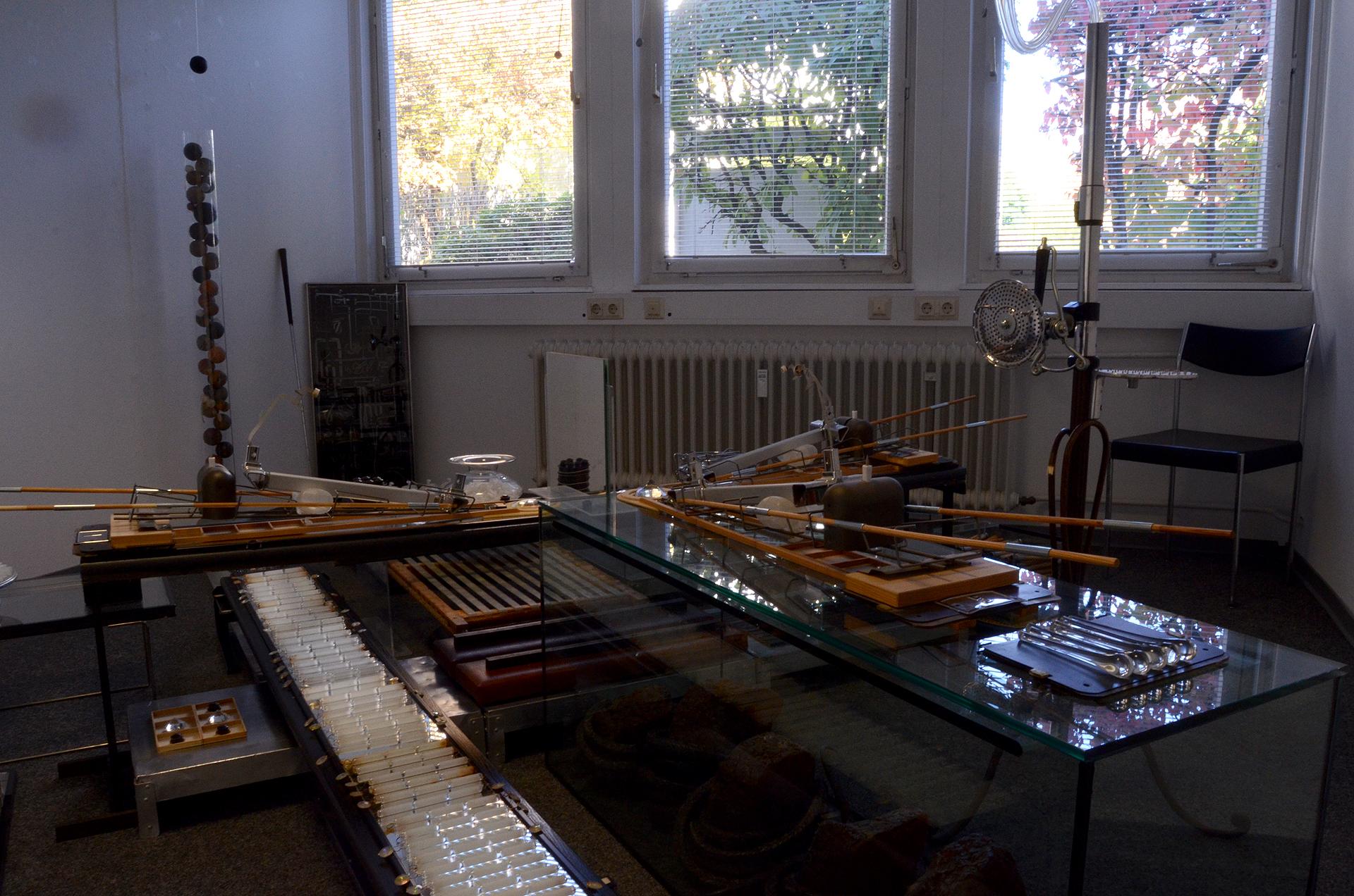 Ausstellungsansicht der Installation Floating Point von Stefan Zoellner