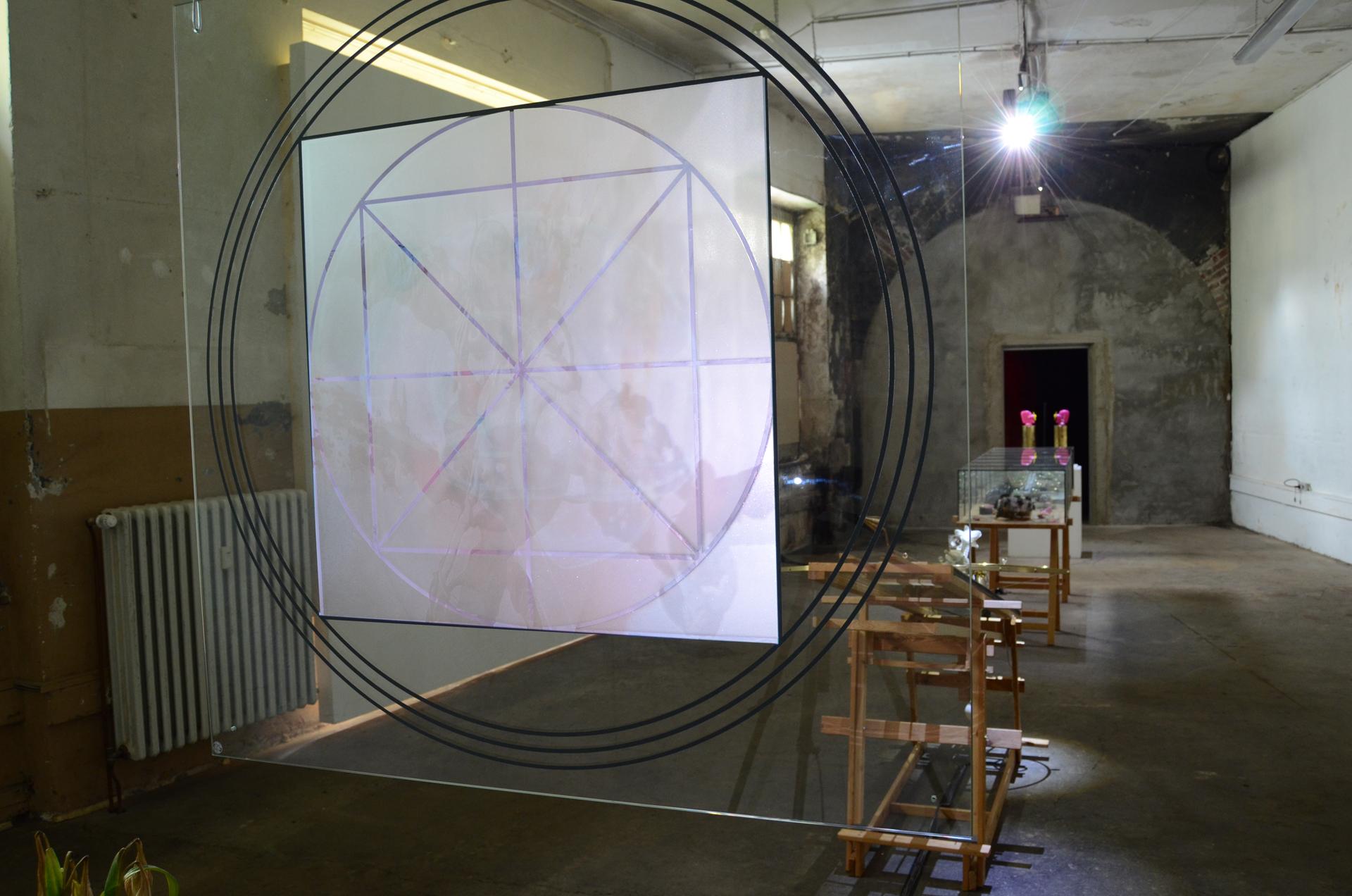 Ausstellungsansicht Synestheticon von Stefan Zoellner, Omegasimulator