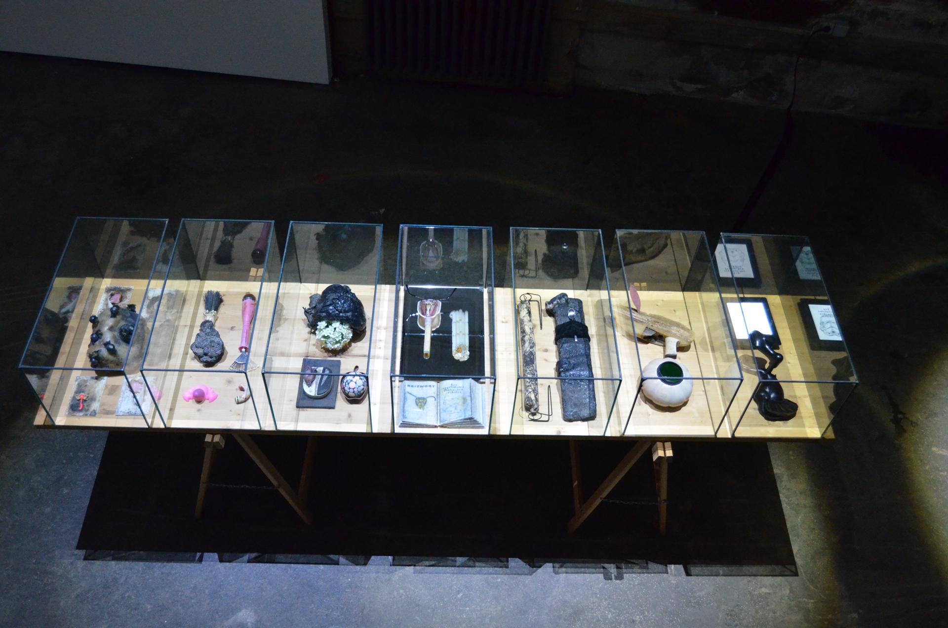 Ausstellungsansicht Synestheticon von Stefan Zoellner, Detail Anagramm@14