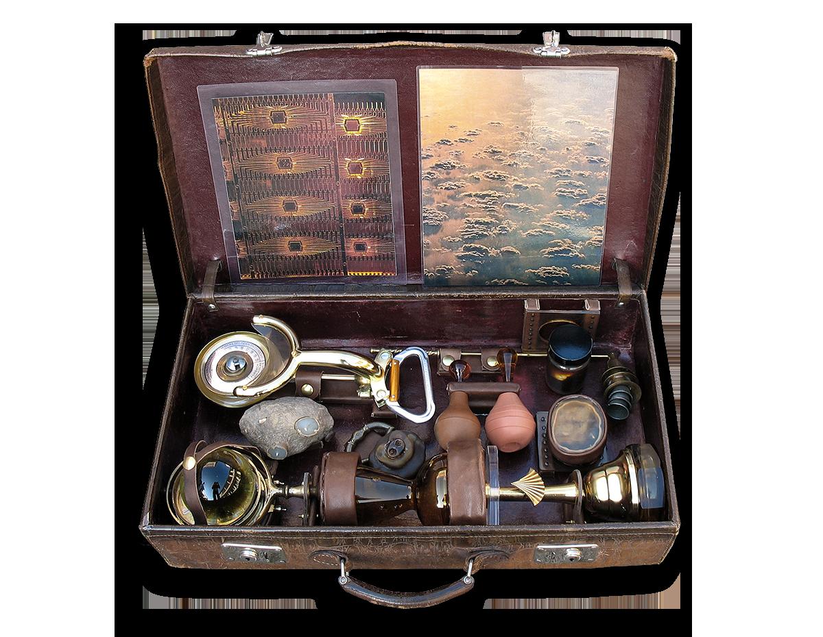 Rainmaker, Koffer mit Objekten von Stefan Zoellner