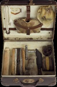 Stalker, Koffer mit Objekten von Stefan Zoellner